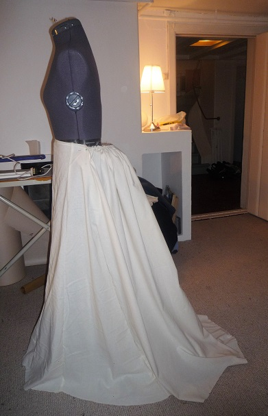 Skirt with bustle pad